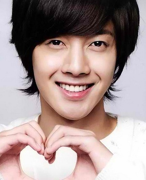 Clean Shaven Heartthrob- Kim Hyun Joong